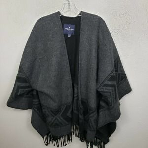 American Eagle open front Poncho Sweater fringe